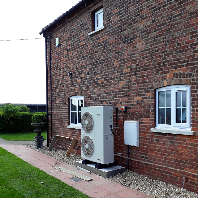 Grant Aerona-3 Air Source Heat Pump
